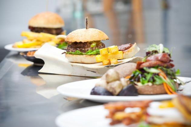 Burger blogger bites into bucket list