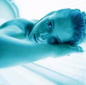 Sunbed cancer risk may be worth it - study