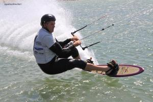 Kite Boarder Breaks NZ Speed Sailing Record